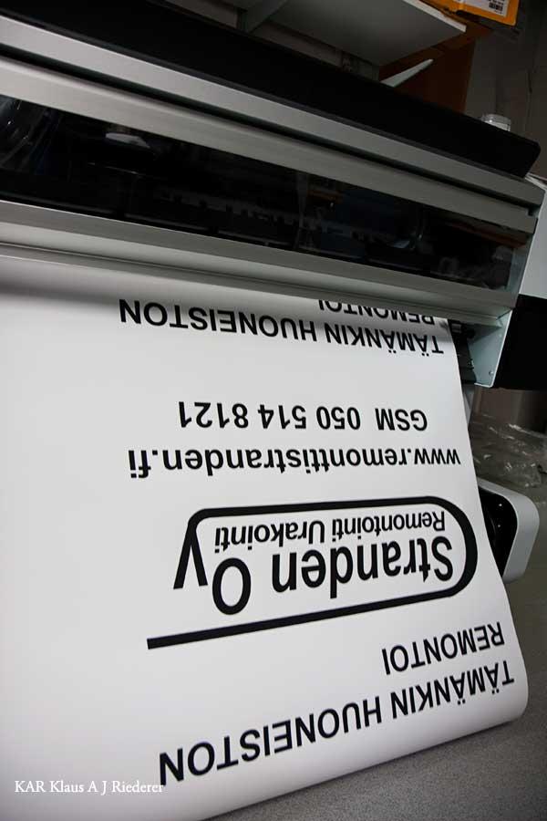 Pigmenttivedosten pussiinlaminointi