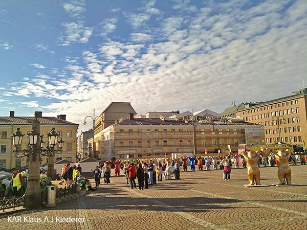 United Buddy Bears - maailman parhaat otsot Senaatintorilla, Helsingissa, 09/2010
