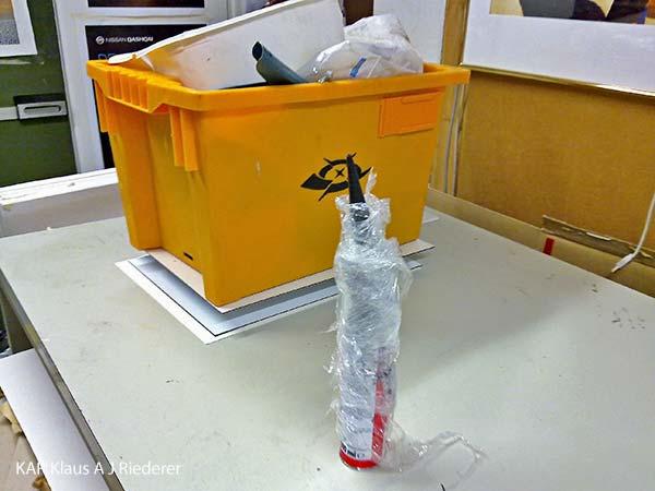 Alumiinikomposiittipohjustus & kuumalaminointi pigmenttivedokselle - huippuluokan teos, Ritva Lassila, 04/2011