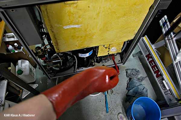 Carpigianin jaatelokoneiden pesu, puhdistus ja huolto, 07-09/2013