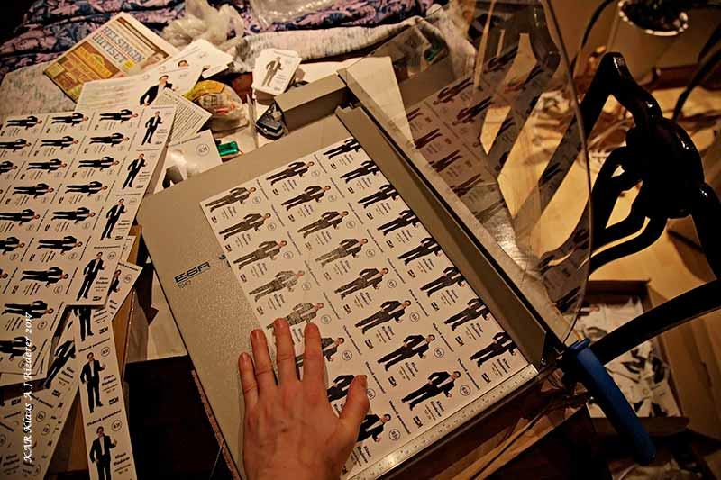 yhdessaparemmin.kar.fi Hei, mä tilasin 1000 vaaliesitettä ja sain 2500 – osin leikkaamatta ja taittamatta!